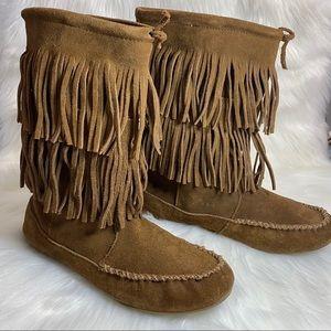 Minnetonka Suede Double Layered Fringe Boots W 8.5
